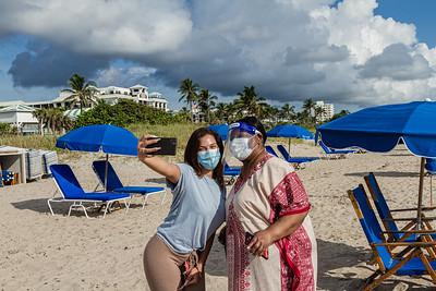 Jasmine McCrary of Miami takes a selfie with her grandmother Cynthia Kemp of Boynton Beach on the sands of Delray Beach, Wednesday, September 30, 2020. McCrary took her grandmother to Delray Beach as an early celebration of Kemp's 70th birthday which is on Saturday. [JOSEPH FORZANO/palmbeachpost.com]