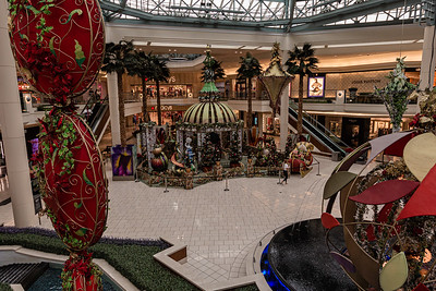 The Photos with Santa area, set up at the Palm Beach Gardens Mall in Palm Bech Gardens, Thursday, November 19, 2020.  The mall has altered the way guests can have their photos made with Santa this year amid the COVID-19 pandemic. Photos with a masked Santa will be contactless and social distancing and sanitizing protocols will be in place. (JOSEPH FORZANO / THE PALM BEACH POST)