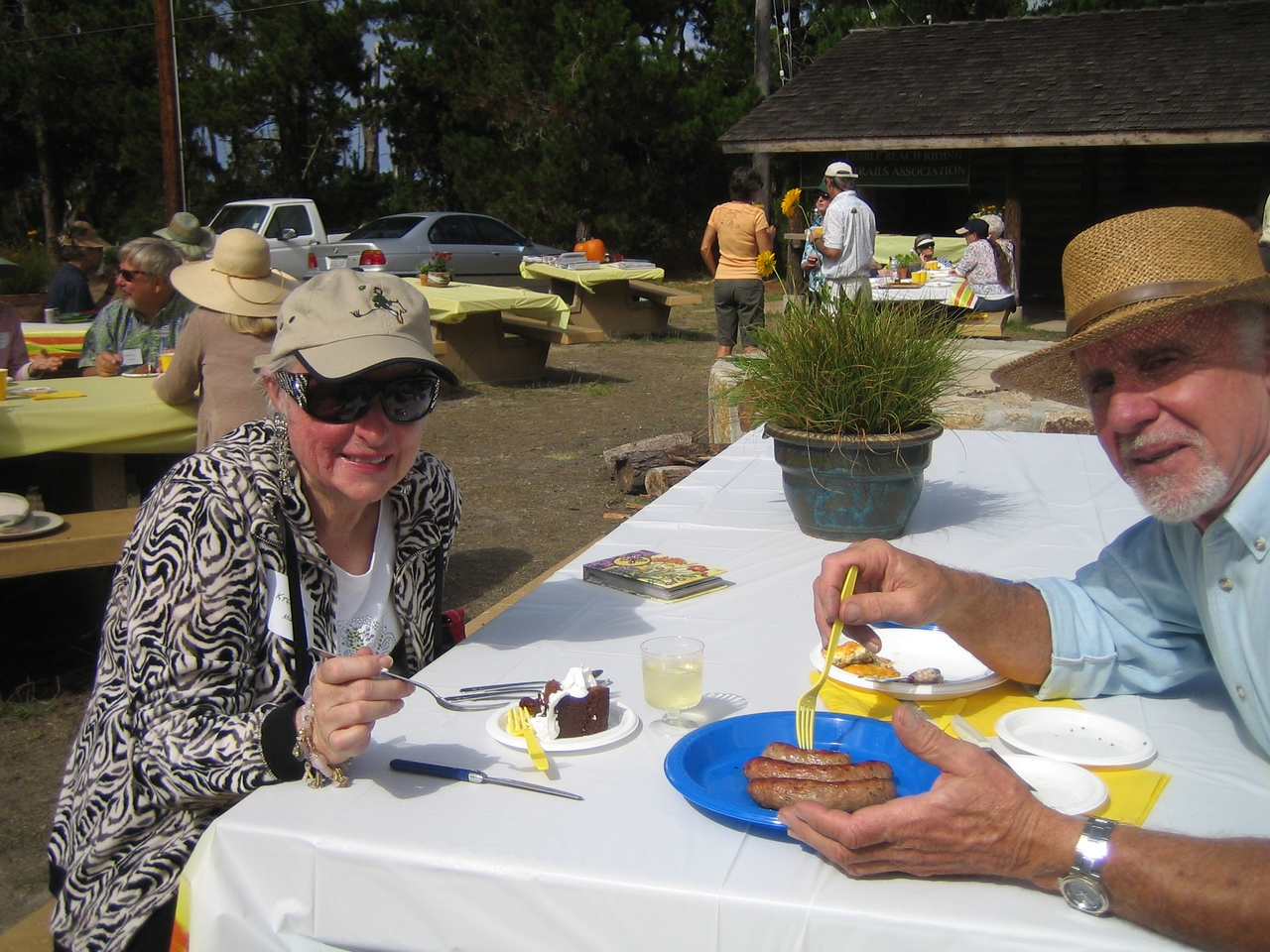 Sharing a quite table are Kristiane Maas and Don Pereira. Thanks for coming over from Gilroy!