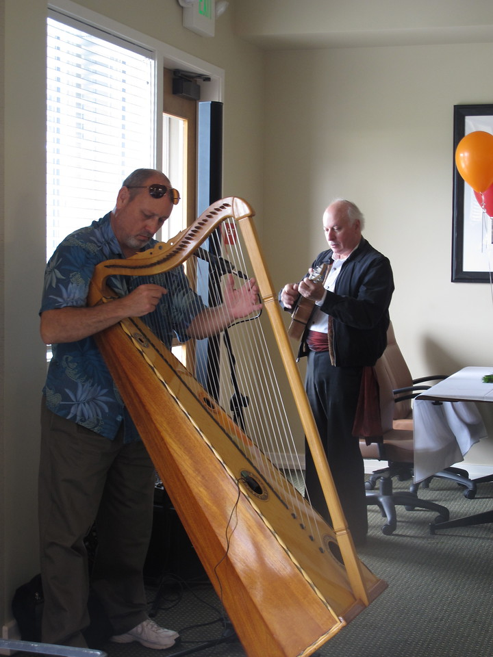 The Bolero Brothers tuned their instruments and warmed up while the party committee finished decorating. What a treat!