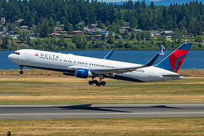 Delta Air Lines Boeing 767-332(ER) N189DN 5-29-21 2