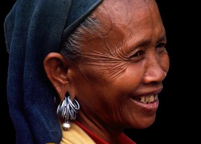 HMONG LADY - LAOS