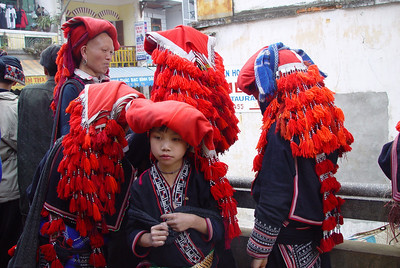 RED ZAO LADIES - SAPA, VIETNAM
