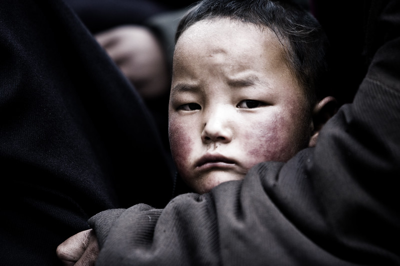 Queuing for food - eastern Tibet