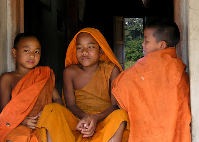 MONKS - SHAN STATE