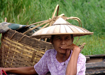 SHAN LADY - INLE LAKE