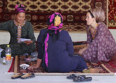 TOLKUCHKA BAZAAR - TURKMENISTAN