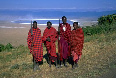 MASAI MEN - NGORONGORO CRATER, TANZANIA