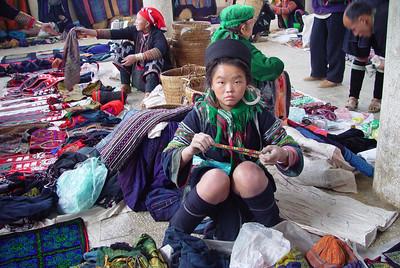 BLACK HMONG LADY - SAPA, VIETNAM