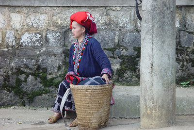 RED ZAO LADY - SAPA, VIETNAM