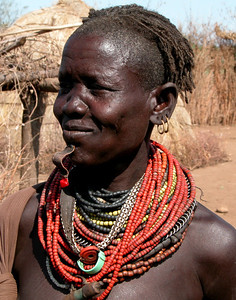 BUMI LADY - OMO VALLEY