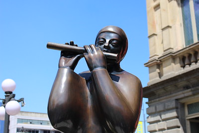 Statue in front of Teatro Nacional