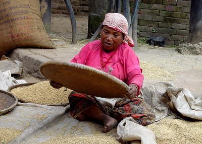 NEWARI LADY - NEPAL