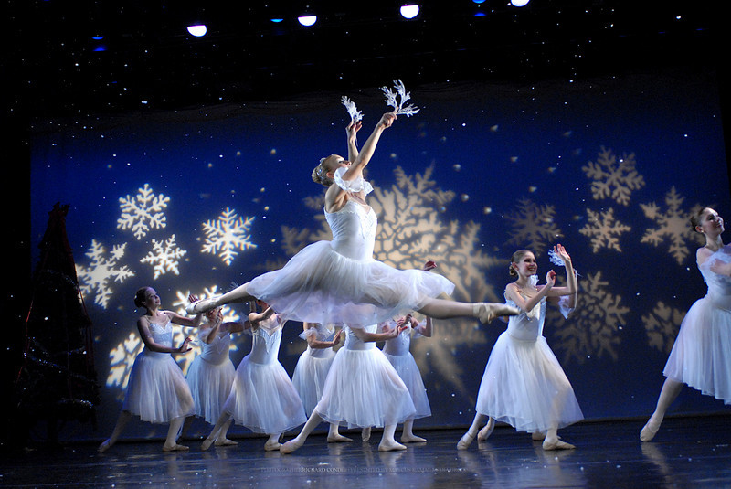 NUTCRACKER /  MOONEY / COOLEY DANCE COMPNAY