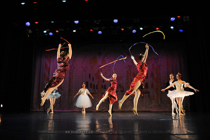 NUTCRACKER 2010 / N136 MOONEY / COOLEY DANCE COMPANY