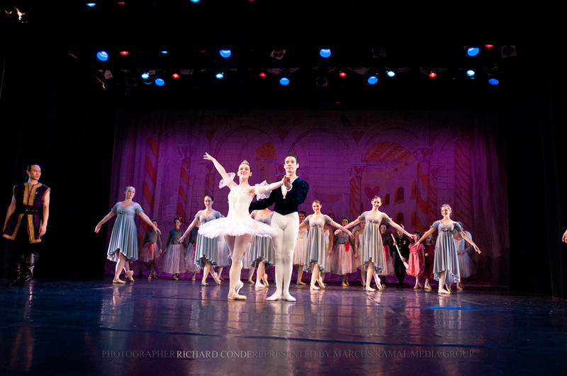 NUTCRACKER 2010 / N124 MOONEY / COOLEY DANCE COMPANY