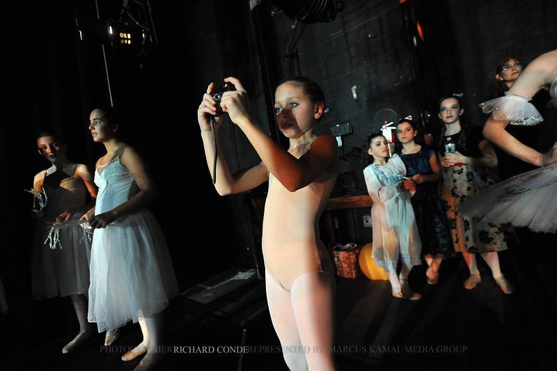 NUTCRACKER 2010 / N41 MOONEY / COOLEY DANCE COMPANY