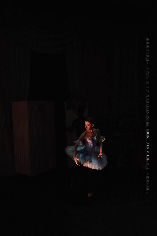 NUTCRACKER 2010 / N30 MOONEY / COOLEY DANCE COMPANY
