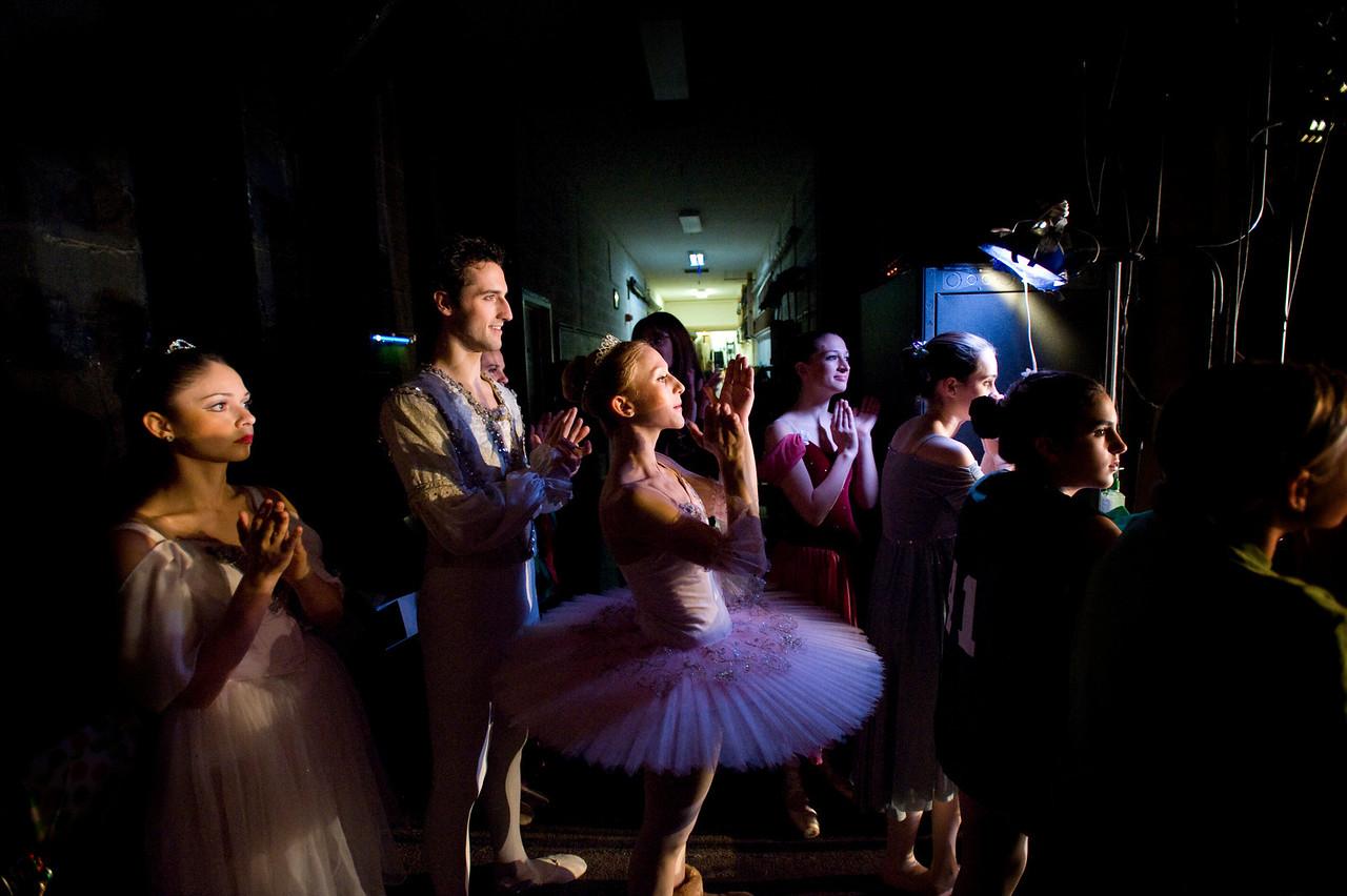 NUTCRACKER 2009 / N38 MOONEY / COOLEY DANCE COMPANY