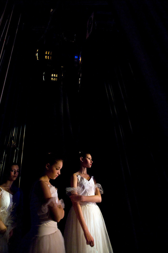 NUTCRACKER 2009 / N85 MOONEY / COOLEY DANCE COMPANY