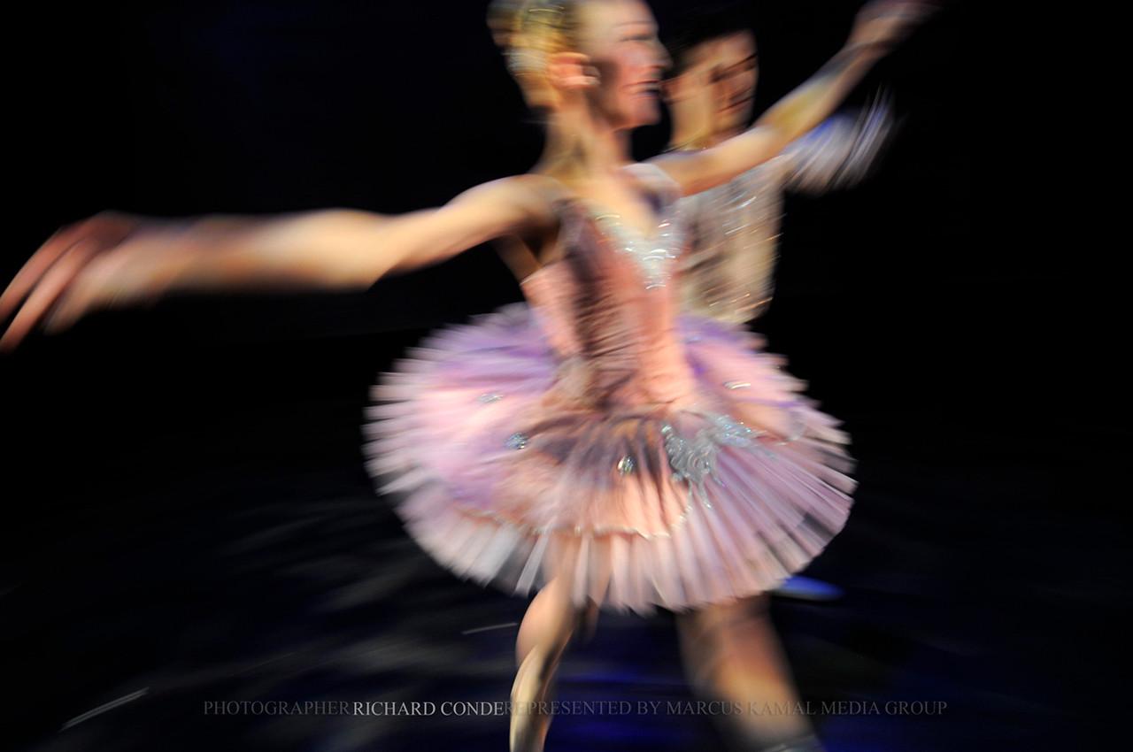 NUTCRACKER 2010 / N33 MOONEY / COOLEY DANCE COMPANY
