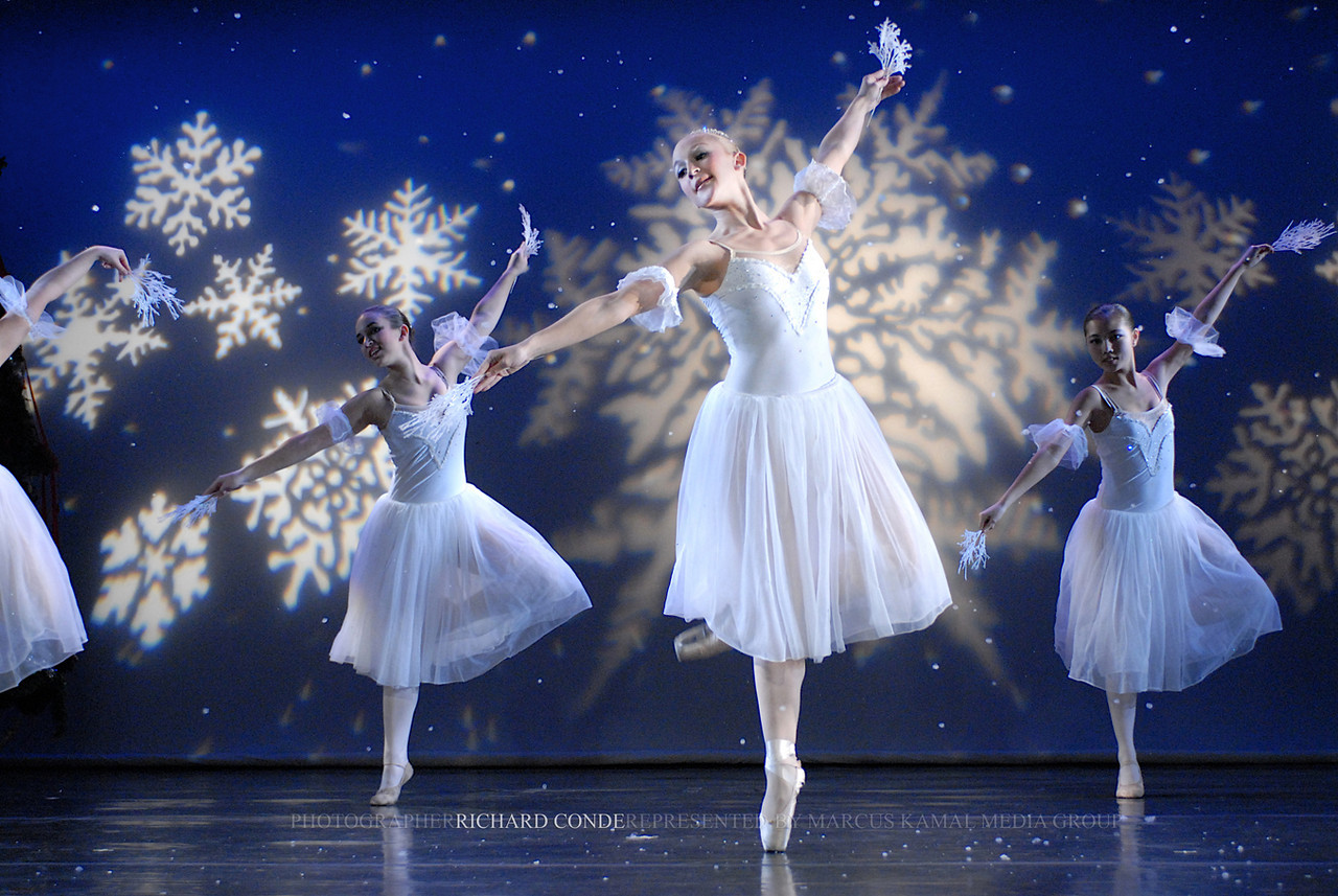 NUTCRACKER 2006 / N 98 MOONEY / COOLEY DANCE COMPANY