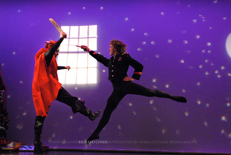NUTCRACKER 2006 / N 92 MOONEY / COOLEY DANCE COMPANY