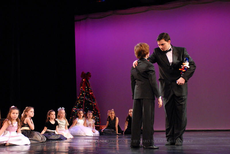 NUTCRACKER 2006 / N60 MOONEY / COOLEY DANCE COMPANY