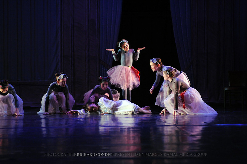 NUTCRACKER 2010 / N140 MOONEY / COOLEY DANCE COMPANY