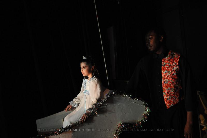 NUTCRACKER 2010 / N49 MOONEY / COOLEY DANCE COMPANY