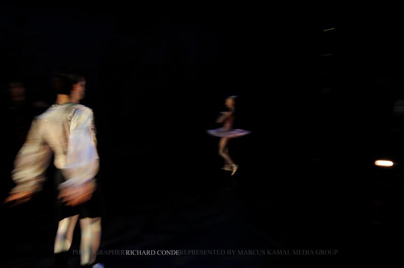 NUTCRACKER 2010 / N29 MOONEY / COOLEY DANCE COMPANY