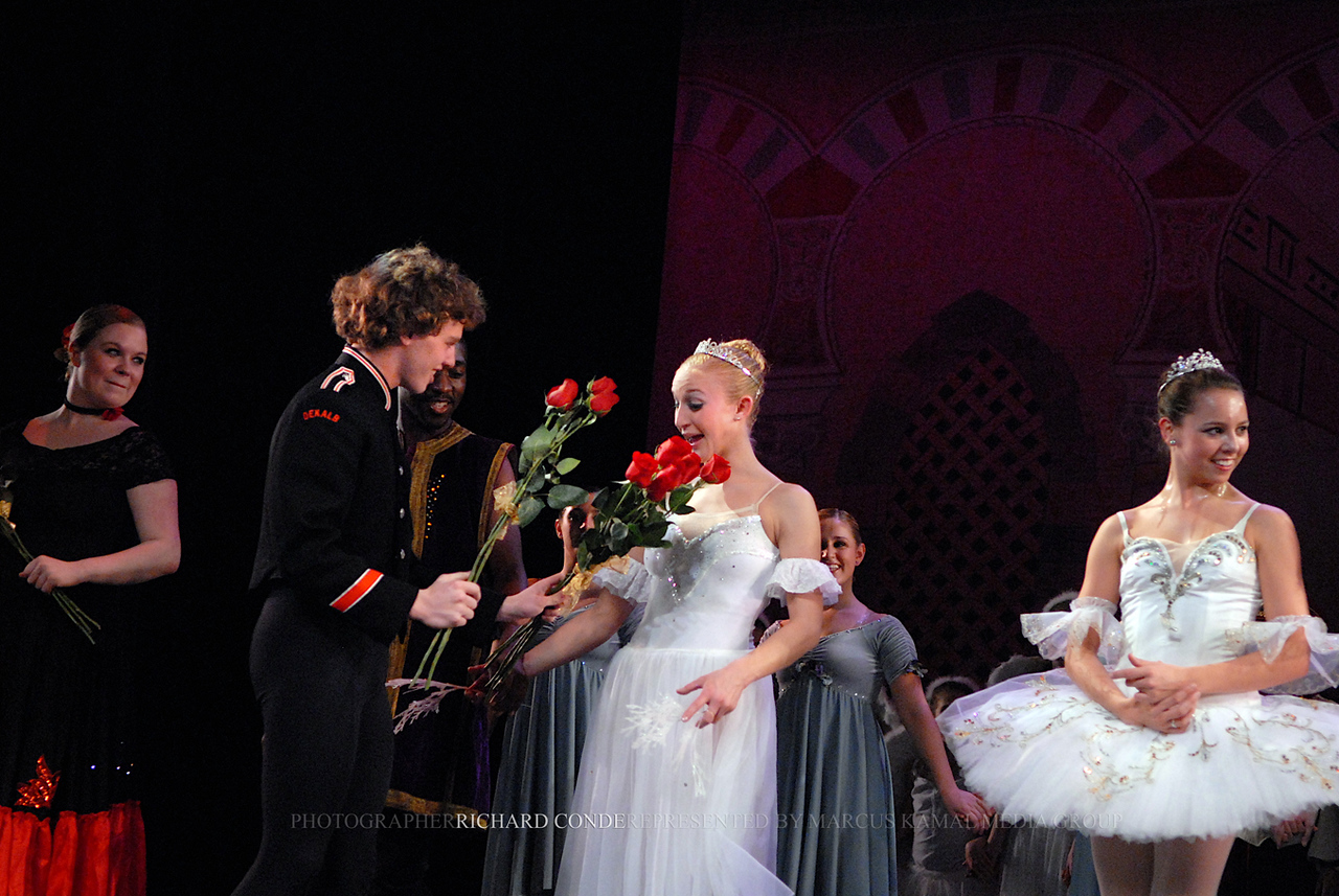 NUTCRACKER 2006 / N 66 MOONEY / COOLEY DANCE COMPANY