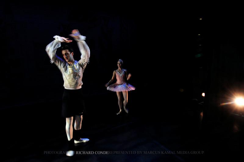 NUTCRACKER 2010 / N32 MOONEY / COOLEY DANCE COMPANY