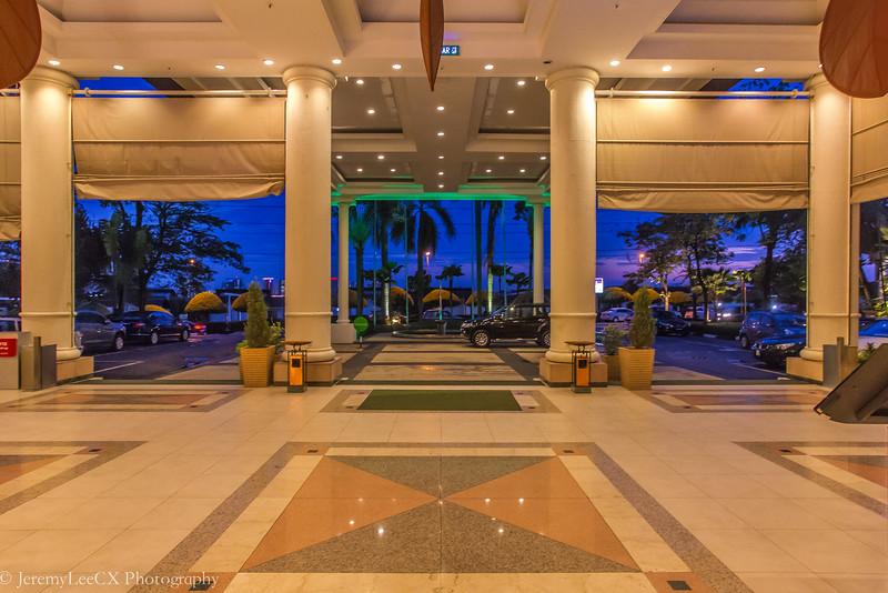 Holiday Inn Kuala Lumpur - Entrance
