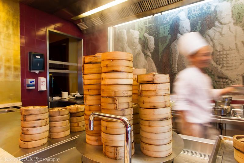Hilton Kuala Lumpur - Chynna - Dimsum Bar with Chef at Work