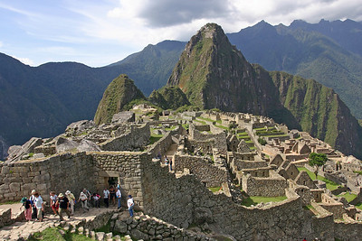 ECUADOR &  PERU