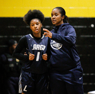 February 7, 2019: Largo Ayana Ball-Ward talk to guard Alexia Hackett (1) during HS girls basketball action between Largo HS and Gwynn Park HS in Brandywine. Photo by: Chris Thompkins/Prince George's Sentinel