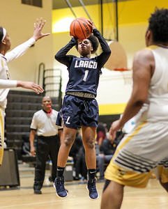February 7, 2019: Largo Alexia Hackett (1) shots a jump shot over Gwynn Park defenders during HS girls basketball action between Largo HS and Gwynn Park HS in Brandywine. Photo by: Chris Thompkins/Prince George's Sentinel
