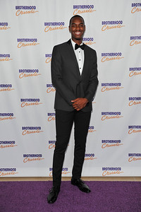 CHRIS PAUL WORLD CLASS ATHLETE , PHILANTHROPIST, HUMANITARIAN IS HONORED AT CHANGE THE WORLD WITH THE BROTHERHOOD CRUSADE ON FRIDAY DECEMBER 9 2016 AT THE BEVERLY HILTON HOTEL PHOTOS BY VALERIE GOODLOE