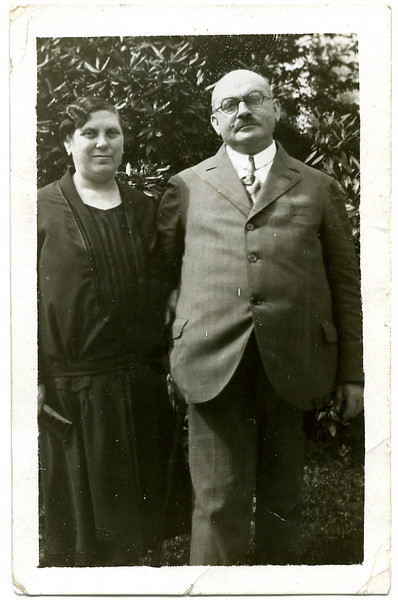 RS016 | Rosa Sohn (b.17 Oct 1878, Fendenheim; d. May 1955, Worcester, MA) & Leopold Rothschild (b. 24 Jan 1876, Hoerstein; d. 1944, Worcester, MA), photo late 1920s, parents of Selma Adler