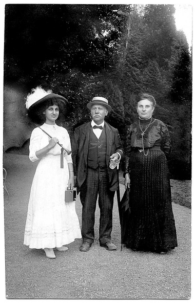 "RS010 | (r) Augusta (Marx) Sohn (b.4 April 1854; d. 25 Jan 1920), mother of Rosa (Sohn) Rothschild, grandmother of Selma (Rothschild) Adler.  Her son, Leo Sohn, went to New York around the turn of the century where he married Fanny Loeb.  Pictured next to Augusta are Fanny's father and her sister, Mimmy Loeb (no descendants), who were visiting Germany.  Back of photo in Selma's handwriting, ""Meine Mannh. Grossmutter, Tante Fanny 's father and sister Mimmy.""  Photo attributed to ""Ateller A. Saal, Nr. 177 Fernsprecher, Bad Wildungen 1911.""  Ironically, Bad Wildungen was a resort quite close to Hoeringsburg, which was where the Adler family settled in 1793 [cf. Adler Archive]."