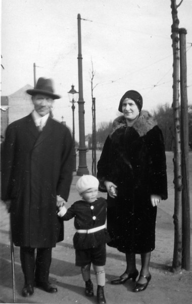 RS012 | Solomon & Ernestine [Sohn] Lehmann some years later, with their nephew, Hans Samuel Adler | back of photo indicates date of 30 March 1930.