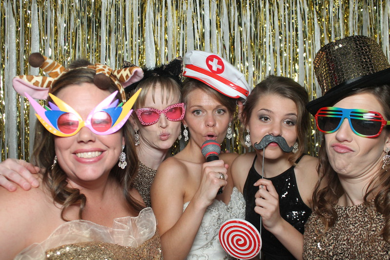 bride and crew 2015 NYE wedding photo booth