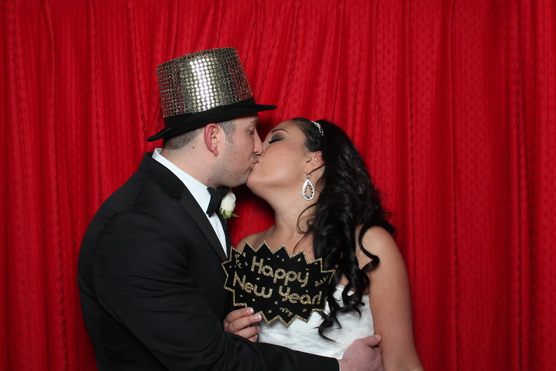wedding photo booth image 11542889