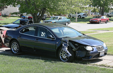 LORAIN POLICE CAR STRUCK