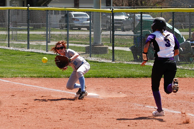 Cascade 2 Kayla Havens gets the out at first