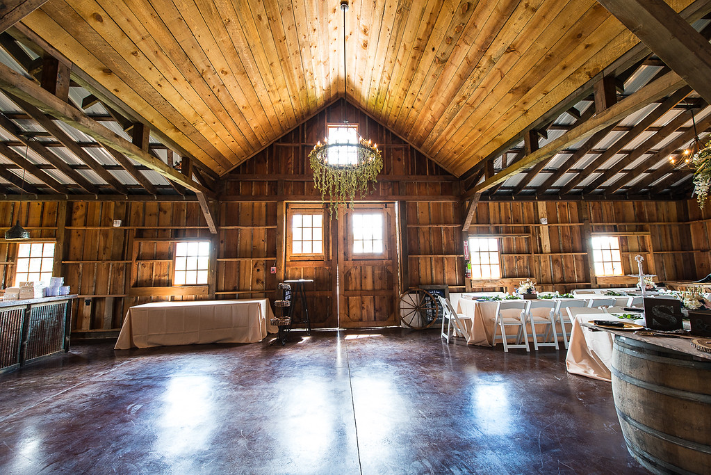 160812 Creekside_Wedding_Barn 013