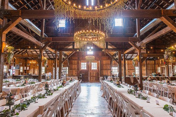 160812 Creekside_Wedding_Barn 008