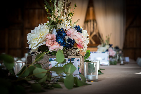 160812 Creekside_Wedding_Barn 024