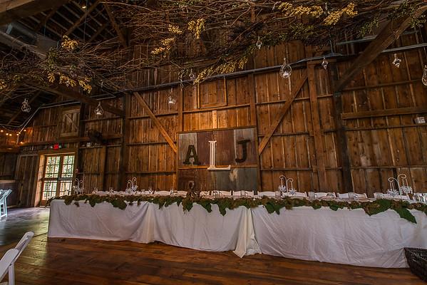 160820 Creekside_Wedding_Barn 008